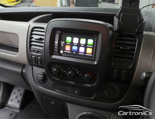 Renault Trafic Van with Apple CarPlay & Rear Cam